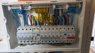 Expert Fuse board replacement London & Kent